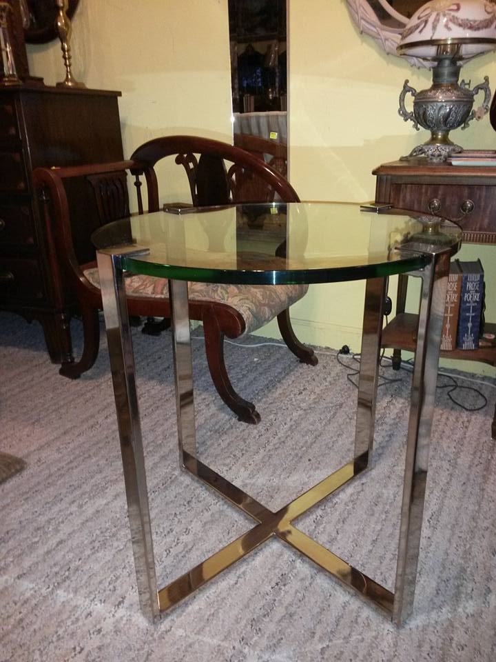 """Modern glass table. heavy and well made. Thick glass. 24"""" around, 26"""" tall. Only $125"""
