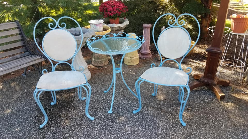 Pretty little vintage bistro set, cast iron, heavy and sturdy. Love the heart shaped backs. Great for indoors or out.. $150